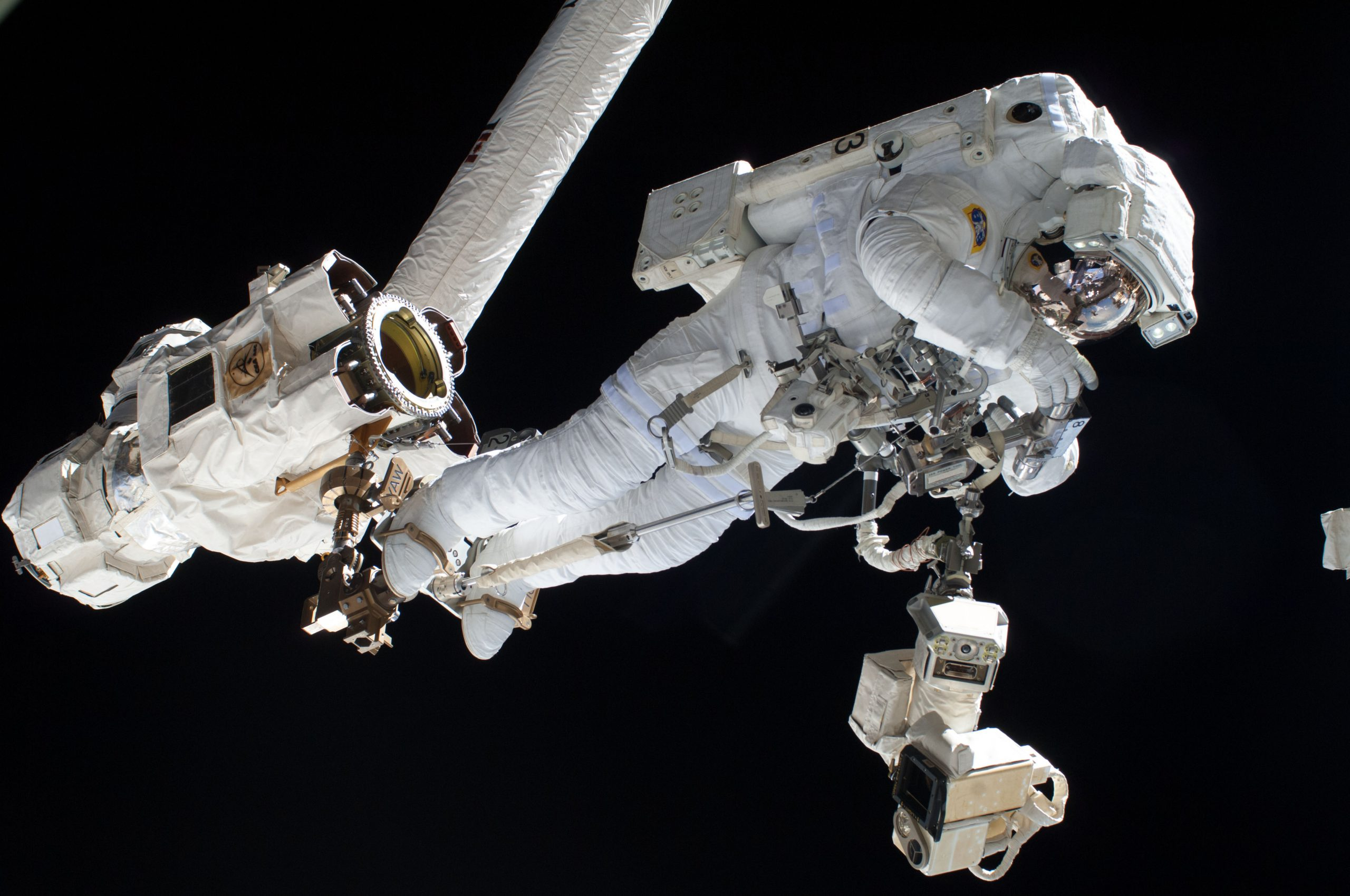 PR35 Robotic Arm – Become a space engineer for a day